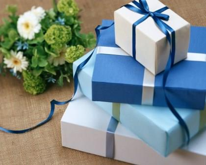 holiday-gift-bouquet-box-2048x2560.jpg
